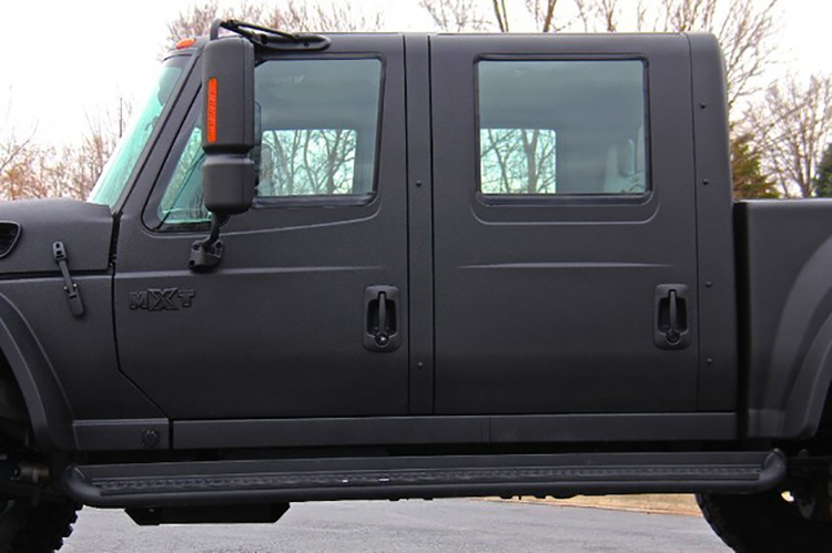2008 International MXT 4x4 Crew Cab Pickup